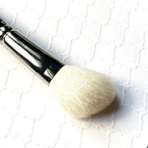 MAC Cosmetics_168 LARGE ANGLED CONTOUR BRUSH